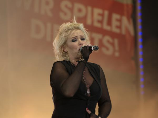 Kim Wilde live at Wolkenkratzer Festival, FFH Buhne, Frankfurt (Germany). Photo © Marc Henklen