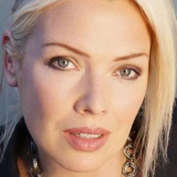 On the Kim Wilde request show, Kim will be reading out your emails and playing out your requests! You can get your requests into her now at magic.co.uk/kimwilde. She's also going to be playing one of her favourite Bowie tracks!