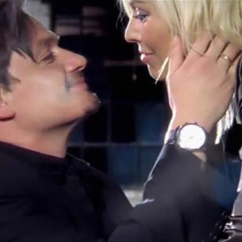 Kim and Hal Fowler in the video for 'You came (2006)'
