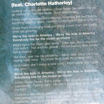 Lyrics of 'Kids in America (2006)' in the CD booklet of 'Never Say Never'