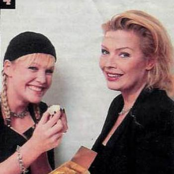 Kim and Evi Goffin from Lasgo, 2001