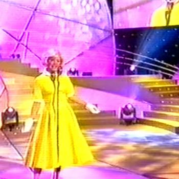 Kim Wilde performing 'Que sera sera' in Celebrity Stars in their eyes