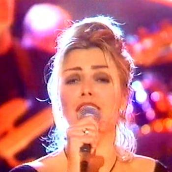 Kim performing 'Signed, sealed, delivered' on 'Don't forget your toothbrush', February 25, 1995