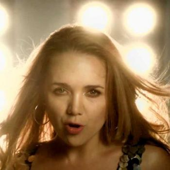 Screenshot from the music video of 'Stuj' by Lucie Vondrácková