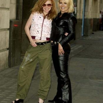 Kim and T'pau's Carol Decker, promotional photograph for the 2003 Here & Now Tour, London (UK), June 5, 2003