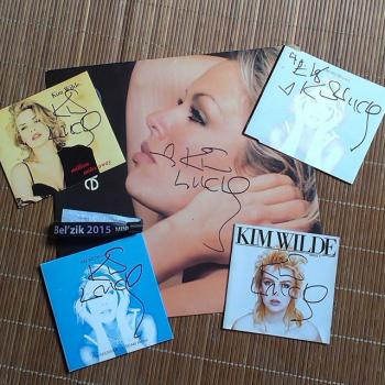 Signed Kim Wilde records, posted by @elsvl79 (March 21, 2015, 5:10pm)
