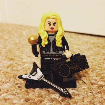 Kim Wilde in Legoland. Posted by @mrdanielporter (May 18, 2015, 8:14pm)