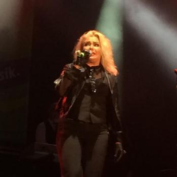 Kim Wilde live at Radio Nora Open Air, July 4, 2015. Posted by @lippschi (July 5, 2015, 2:05am)