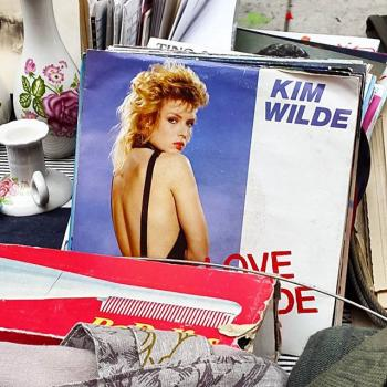 Kim Wilde found in an antiques market in Lyon (France). Posted by @ameliepinaudeau (September 13, 2015, 9:50pm)