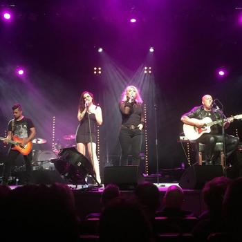 Kim Wilde performing live in Bergen op Zoom, the Netherlands on October 1, 2015, posted by @meta24 (October 1, 2015, 10:46pm)