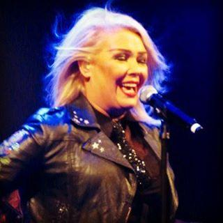 Kim Wilde performing live in Den Bosch, the Netherlands on October 2, posted by @chrisoberh (October 3, 2015, 0:37am)