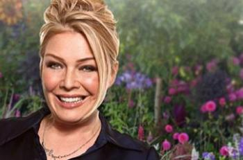 If the sun's shining, what do you want playing on the radio? Leave your Summer request with Kim Wilde, and you could win tickets to this year's RHS Hampton Court Palace Flower Show!