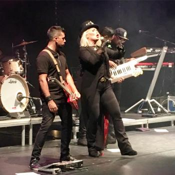 Kim Wilde live in Vlissingen, posted by @vissertoys (October 9, 2016)