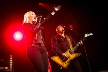 Kim Wilde live in Utrecht, posted by @tivolivredenburg (October 17, 2016)