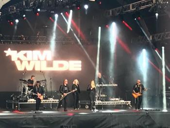 Kim Wilde and band live in Jersey. Posted by @bichtran_bibi on July 14.