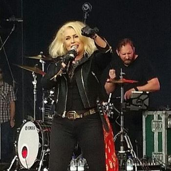 Kim Wilde live at Powderham Castle, Exeter (UK), July 2, 2016