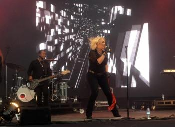 Kim Wilde live at Powderham Castle, Exeter (UK), July 2, 2016. Photo © Claudia Korfei