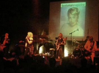 Kim performing 'Game over' at Kulturbrauerei, Berlin, March 7, 2007