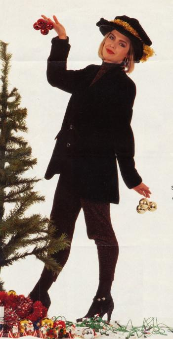 1990: Decorating the Christmas tree